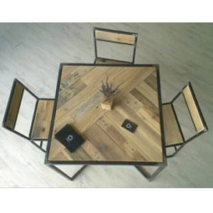 tavolo conlegno di recupero quadrato economico