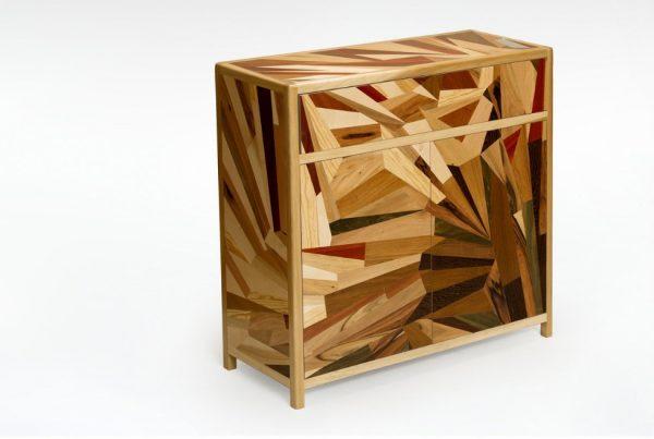 credenza in legno massello con tecnica intarsio contemporaneo