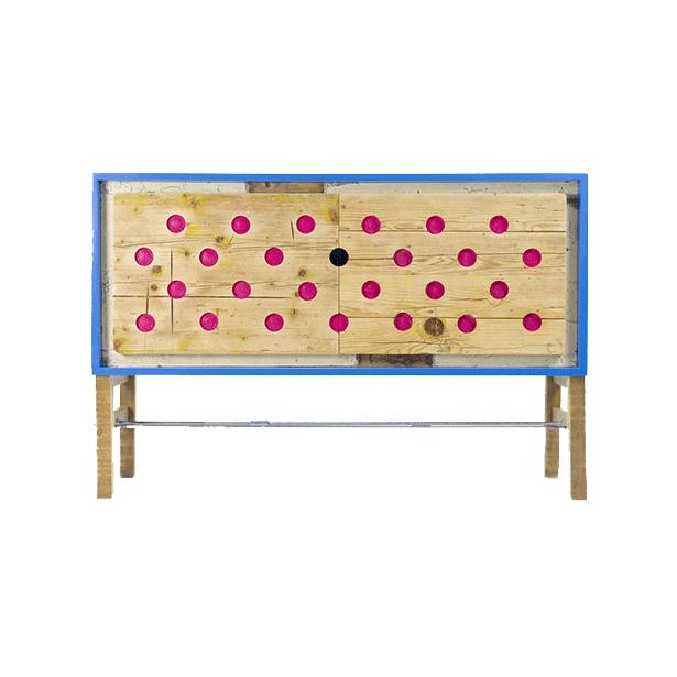 credenza con due sposrtelli in legno di abete vintage e pois fuscia struttura azzurro e gambe acciaio