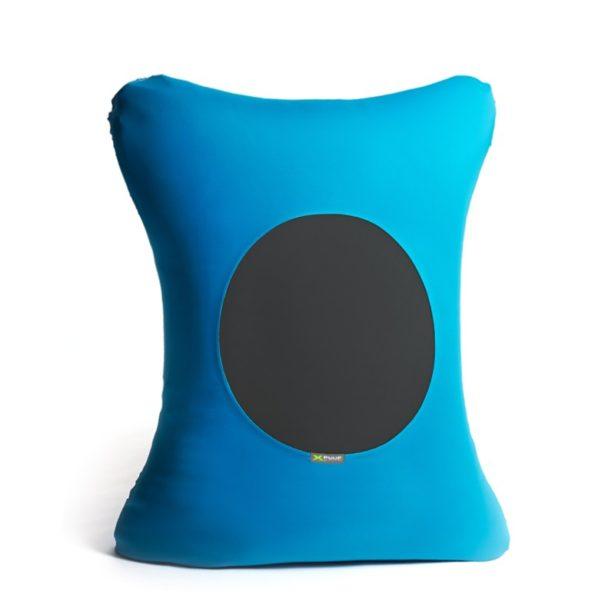 Pouff in tessuto azzurro con cerchio nero al centro