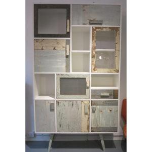 dispensa alta per la cucina in legno vintage colorato