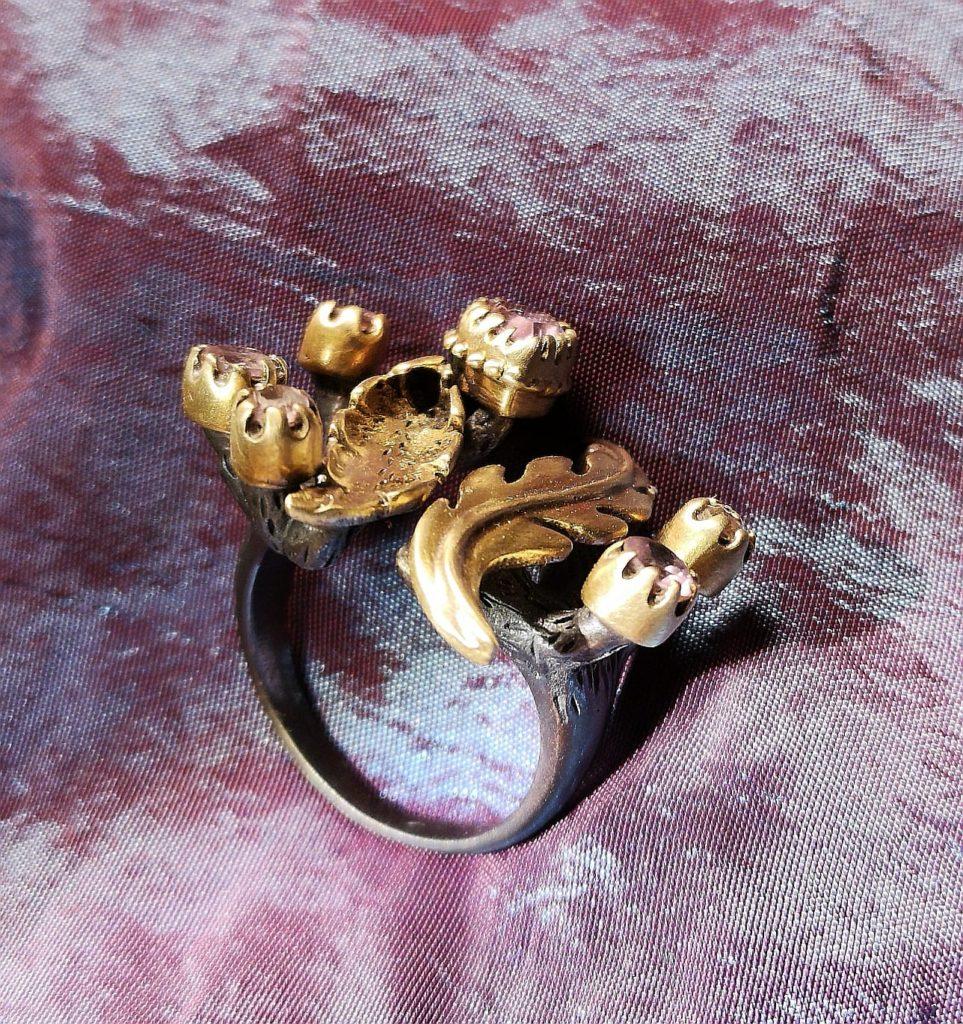 anello con fiori ottone artigianale