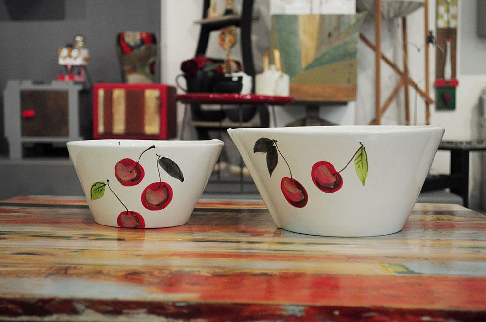 linea lastra virginia casa ceramica bianca con decori di ciliege rosse