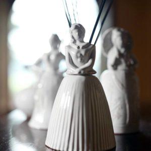profumatore a forma di dama ceramiche toscane Virginia casa