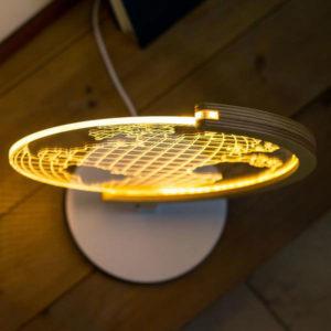 lampada Studio Cheha bidimensionale in vetro acrilico effetto ottico mappamondo